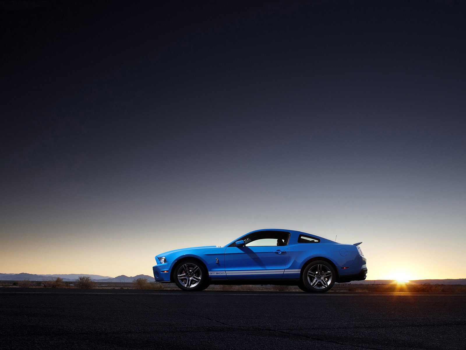 Cars Wallpapers: Gambar Mobil FORD Mustang Shelby GT500 2010