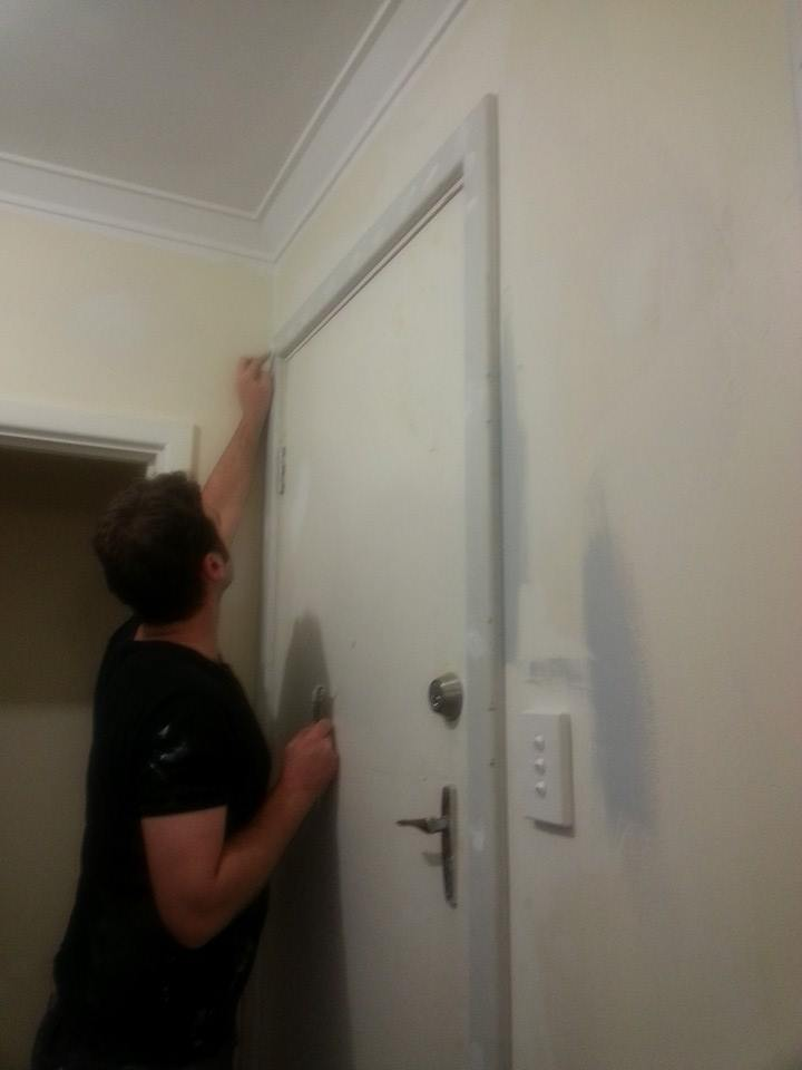 For the door frames - once they were prepped as above we painted on an undercoat of Dulux Prepcoat - Primer Sealer and Undercoat in white. & Jarrah Jungle: Painting Door Frames + Internal Doors With Dulux Paint pezcame.com