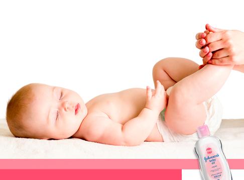 Membuat Kulit Bayi Tetap Lembut Dengan JOHNSON'S Baby Oil