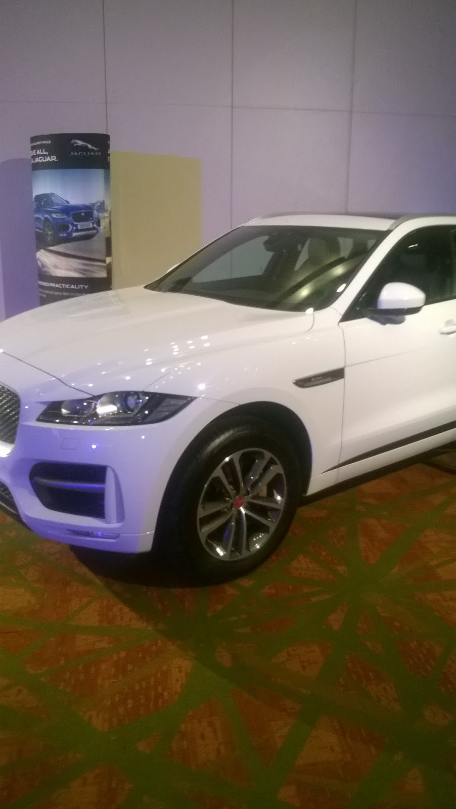 jaguar f pace sports sport utility vehicle