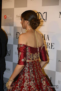 Deepika Padukone Ramp for Manish Malhotra at ICW