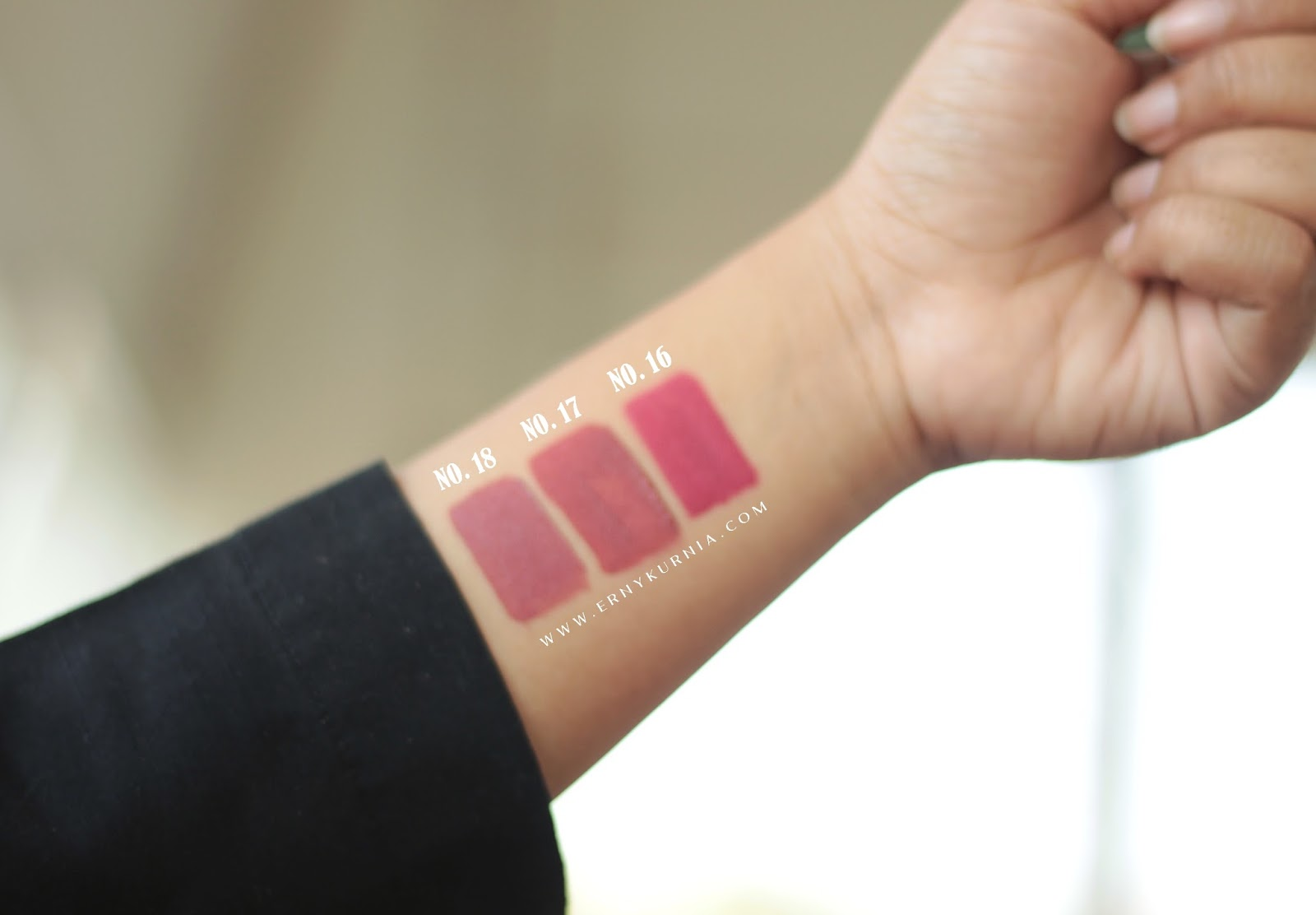 Swatches Wardah Lip Cream No. 16, Swatches Wardah Lip Cream No. 17, Swatches Wardah Lip Cream No. 18