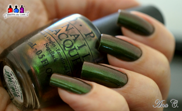 OPI, coca-cola collection, green on the runway, duchrome