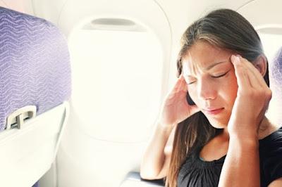 """10 vấn đề """"kì lạ"""" có thể xảy ra với cơ thể khi bạn đi máy bay"""