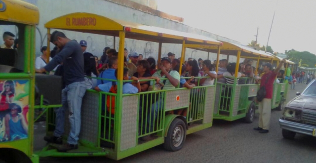 Los 'Trencitos' cubren necesidad de transporte público en Zulia