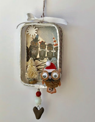 front of owl ornament by BayMoonDesign