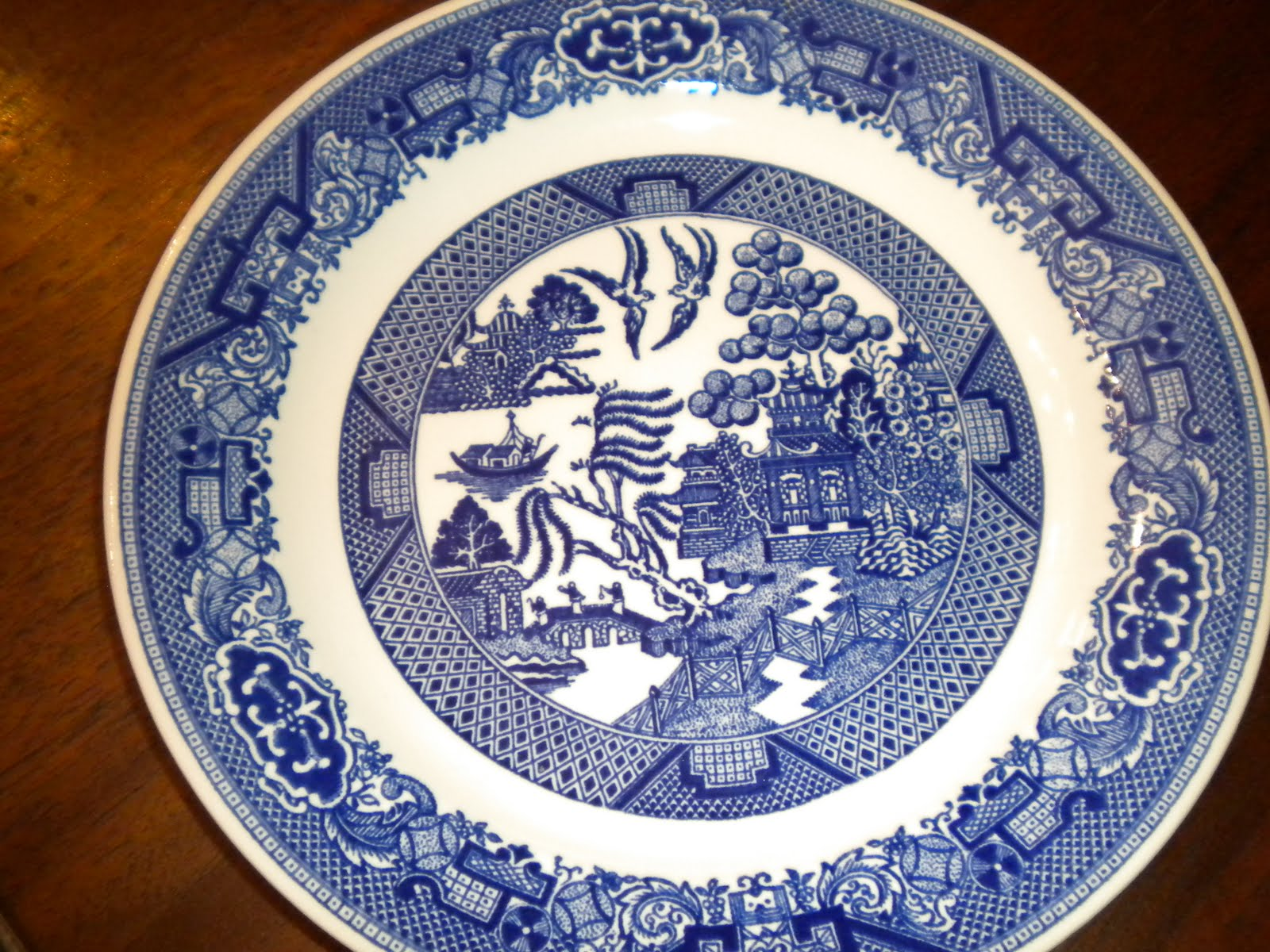Queen of Hearts: History of Blue Willow China