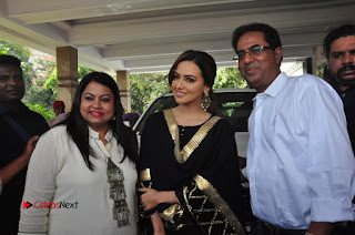Bollywood Actress Sana Khan Launches Aakrithi Exibition  0378.JPG