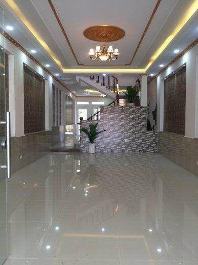 Phòng khách rộng rãi trang trí đẹp