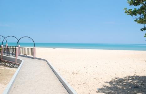 wisata pantai nepa wisata sampang