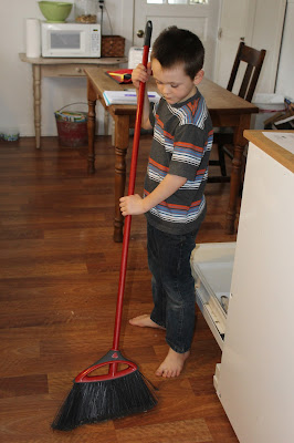 Homeschooling and Housework-Tips for combing HOME and SCHOOL with sanity.