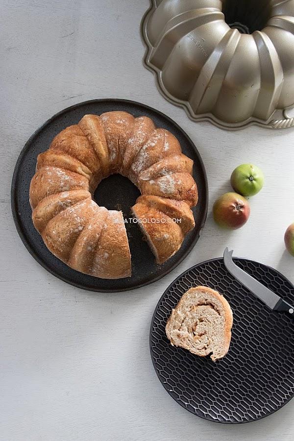 Rosca de manzana y canela vía elgatogoloso.com