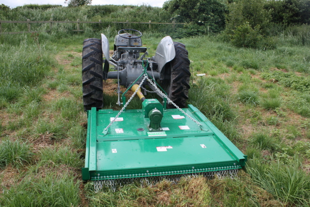 Compact Tractors and Machinery: Using a Grey Fergie T20 For Grass