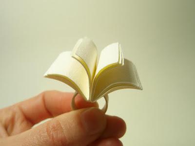 ring 9 - 10 Anéis para apaixonadas por livros