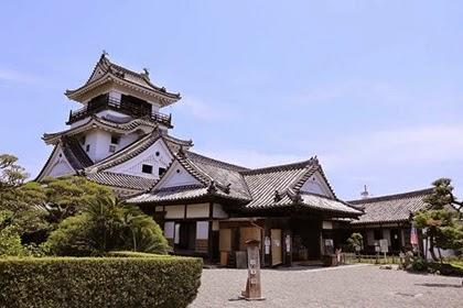 ปราสาทโคชิ (Kochi Castle)