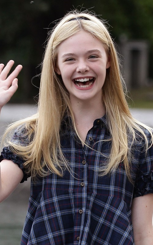 Cute Baby Animal Pictures Wallpapers Lovely Wallpapers Elle Fanning Hollywood Actress Lovely