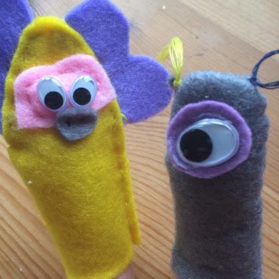 Marionnettes à doigts en feutrine representant des extra-terrestres