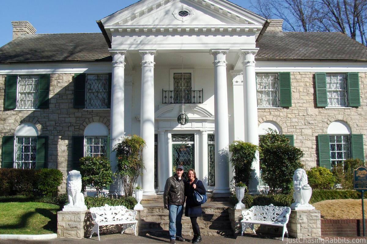 Elvis' Graceland: Inside The King's Palace in Memphis ...