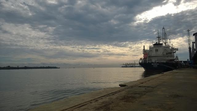 Ship and Sea, Bon Voyage!