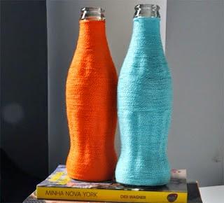 C mo decorar botellas de vidrio con estambre - Decorar botellas de vidrio ...