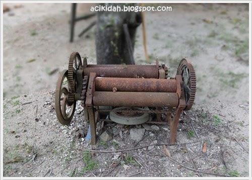 Mesin Penggelek Getah