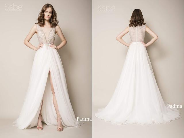Suknia ślubna z głębokim dekoltem i rozcięciem z przodu, długa tiulowa spódnica. Suknie SABE.