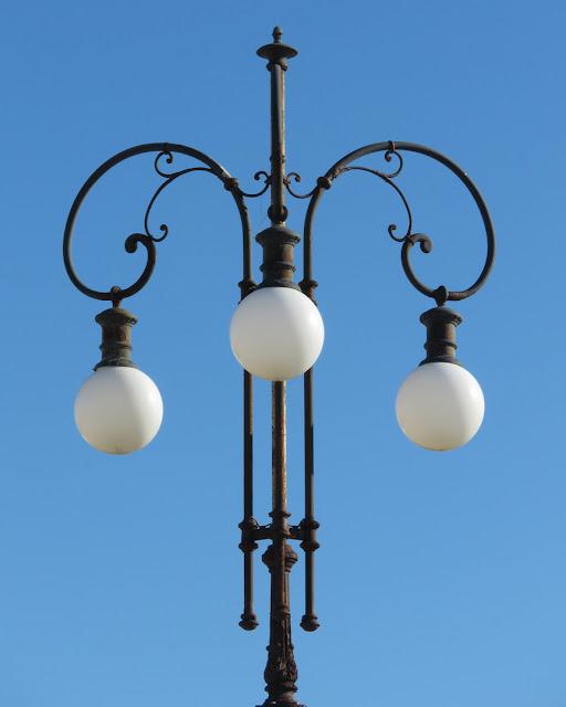 Lamp post, Terrazza Mascagni, Livorno
