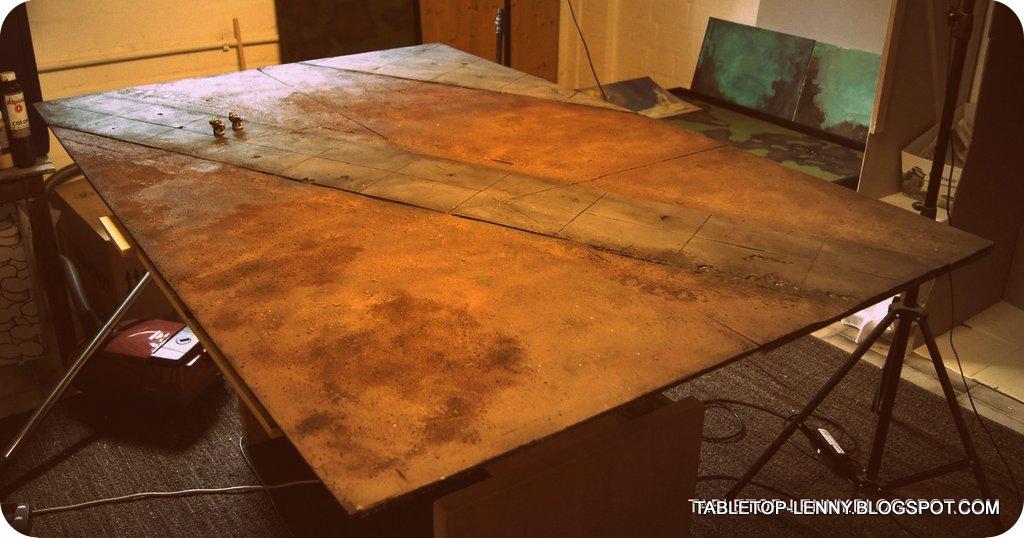MINIATURE WARGAMING TABLE