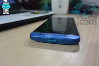 HTC One E8 - bagian atas