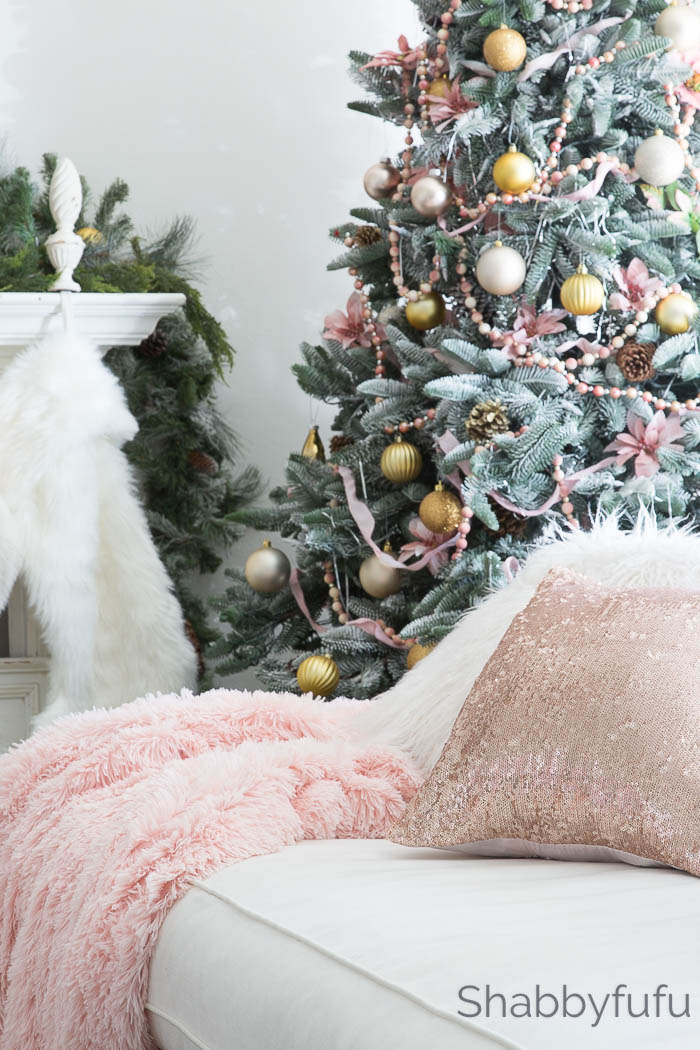 beautiful-blush-gold-christmas-decorating-ideas