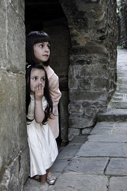 С возрастом дети учатся использовать своё понимание чужих чувств и мыслей для достижения собственных целей.