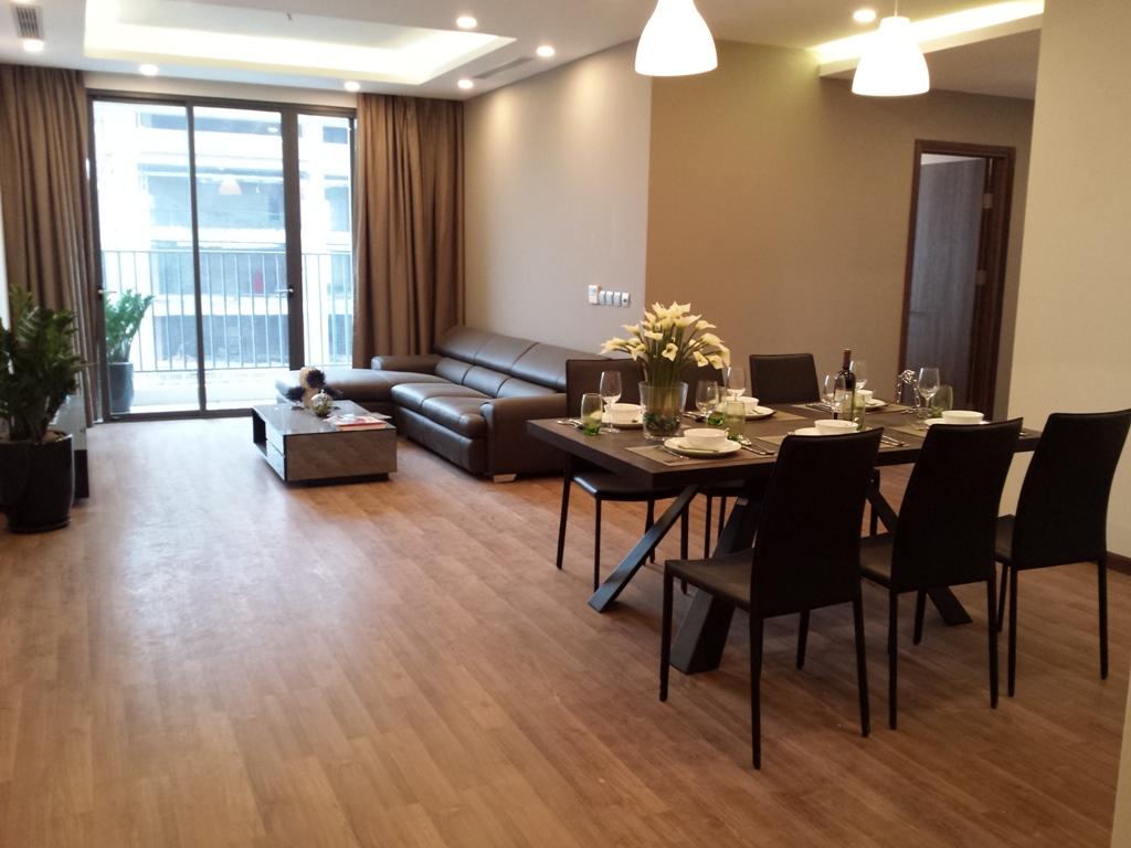 Không gian phòng ăn và phòng khách tại chung cư Taseco Complex