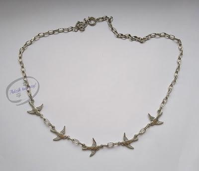 Łańcuszek naszyjnik z jaskółkami