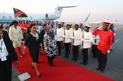 MAKAMU WA RAIS MHE. SAMIA SULUHU HASSAN AWASILI MJINI WINDHOEK, NAMIBIA KUSHIRIKI MKUTANO WA 38 WA WAKUU WA NCHI NA SERIKALI WA SADC