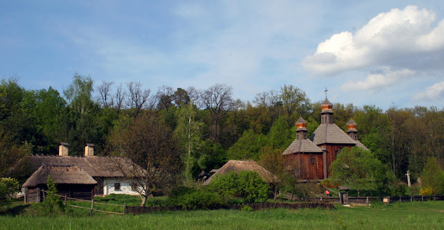 усадьба и церковь