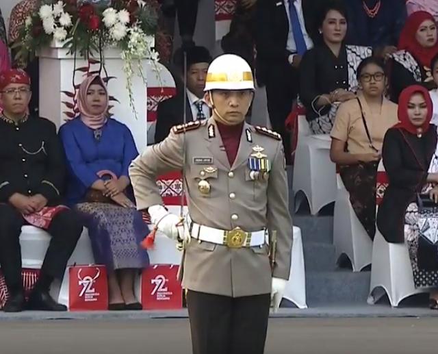 komandan upacara penurunan 2017