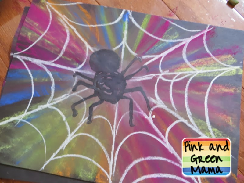 Pink and green mama make spooky spider webs with colored for Arts and craft websites