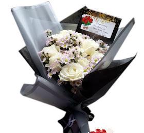 Handbouquet Bunga Segar Packing Premium<price>Rp.100.000 </price> <code>SKU-B9</code><br>Kemuning Florist Malang