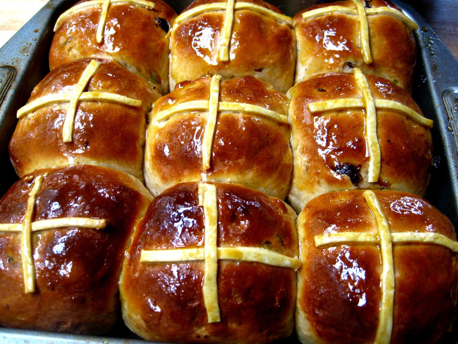 Hot Cross Bun Cake Recipe