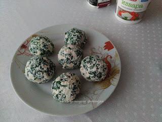 Спаначени топчета с извара