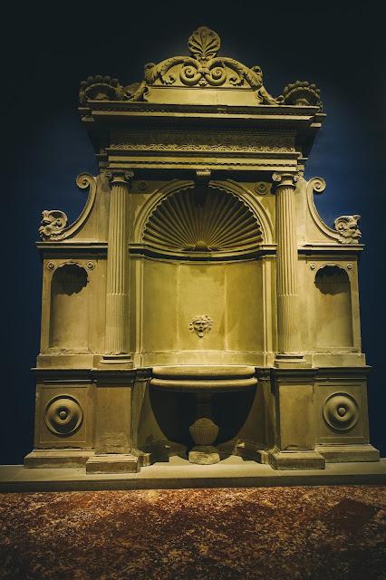 壁泉(Wall fountain)