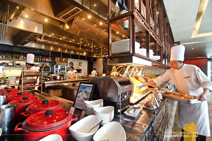 Hilton Sukhumvit Bangkok Scalini Restaurant Breakfast