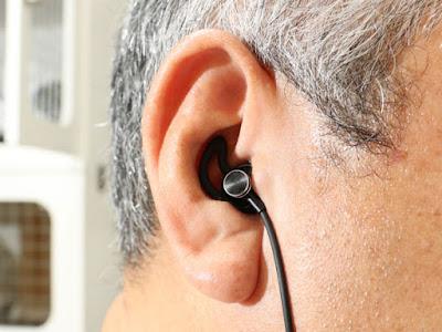 FunCee ブルートゥース ワイヤレス ヘッドホーンにシリコン製のイヤホンカバーを装着