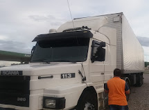 Polícia consegue recuperar caminhão roubado abandonado em Santa Luzia