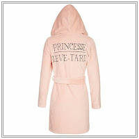 http://www.undiz.com/fr/homewear/peignoir-rose-neediz-648051179.html