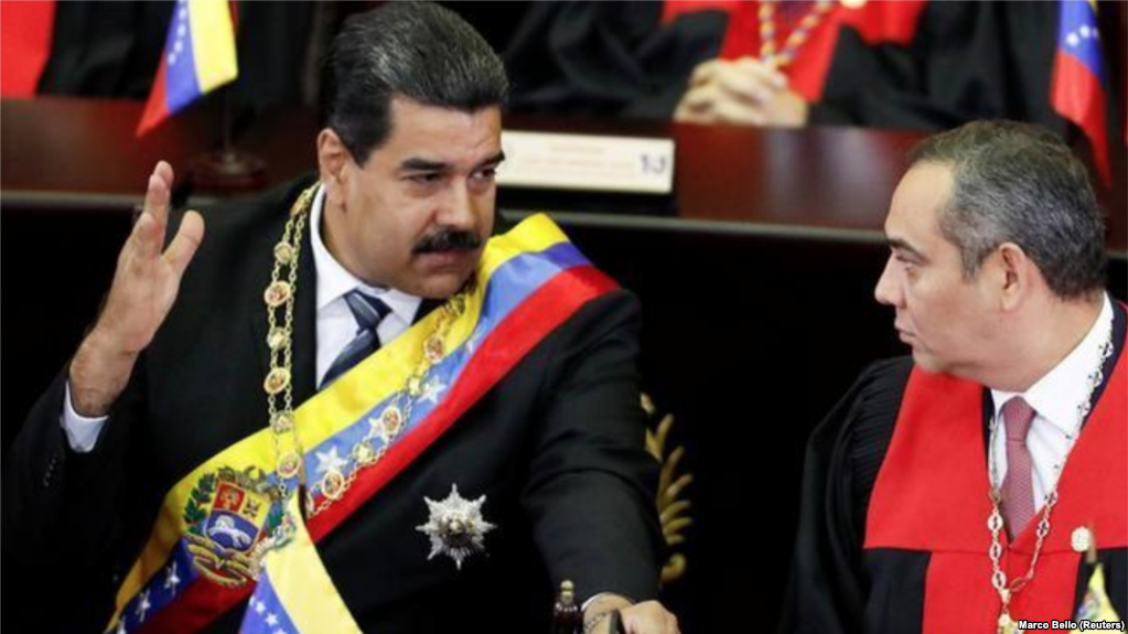 Maduro con el presidente del Tribunal Supremo de Justicia, Maikel Moreno / REUTERS