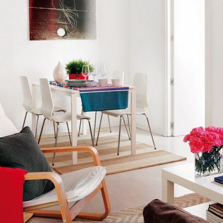 Trang trí phòng khách bằng tấm thảm sang trọng