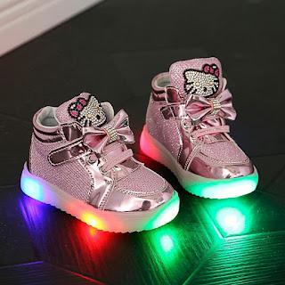Gambar Sepatu Hello Kitty untuk Anak 10
