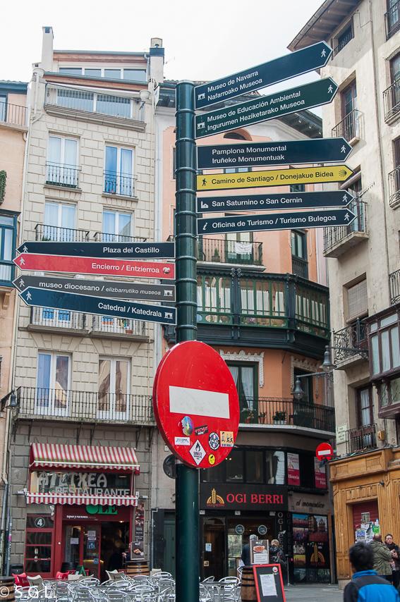 Señales en Pamplona. Pamplona mucho mas que Sanfermines