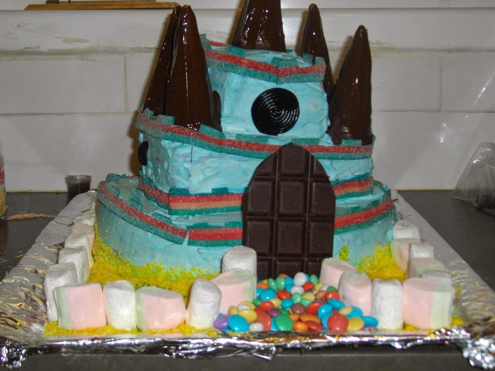 IMGP2879 - עוגת יומולדת בצורת ארמון